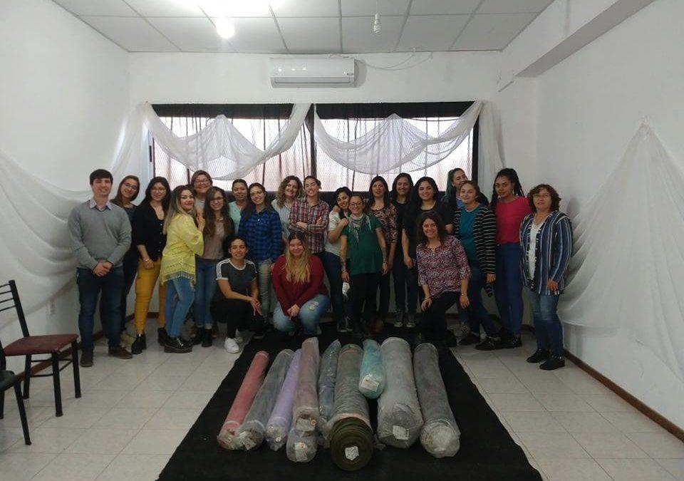 DONACIÓN DE TELAS PARA LA TECNICATURA SUPERIOR EN DISEÑO DE INDUMENTARIA